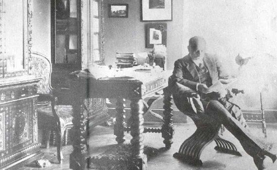 Pirandello nel suo studio di via Pietralata