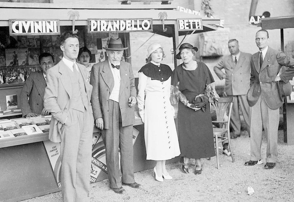 Luigi Pirandello e Marta Abba, 1933. Fondo Armando Bruni/Archivio Rcs