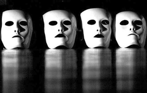 Pirandello: la crisi e la catastrofe dell'identità