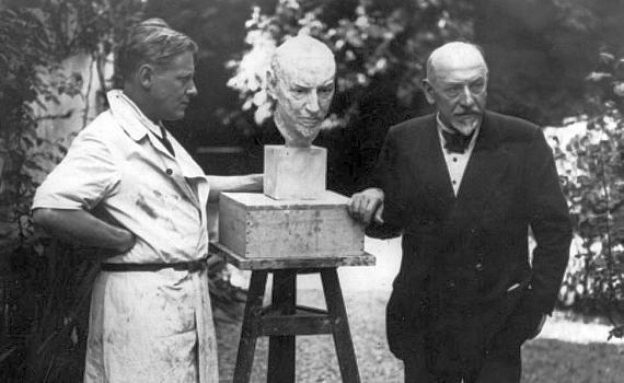 """Luigi Pirandello: l'identità """"decadente"""" dell'uomo moderno"""