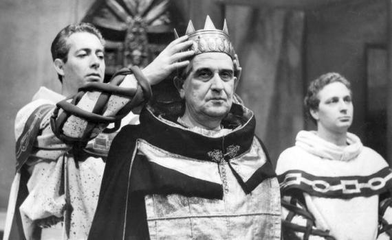«Enrico IV»: la tragedia di non vivere e di non amare davvero